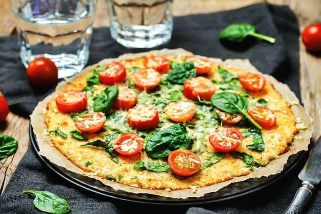Pizza com massa de couve-flor