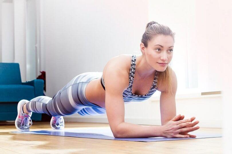 Exercícios físicos para fazer sem sair de casa