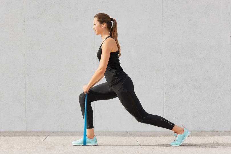 Exercícios com mini bands: entre em forma usando apenas um elástico