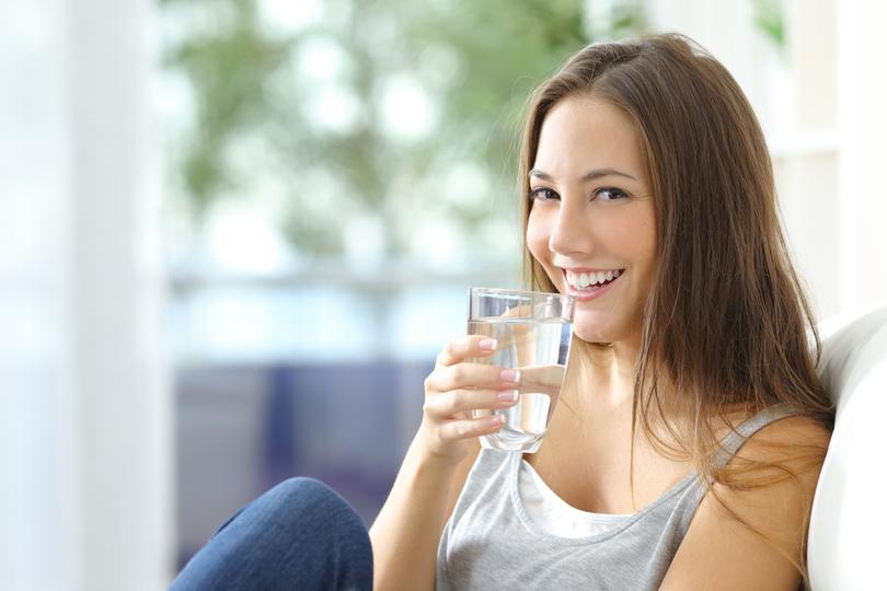 Retenção de líquido: conheça as causas e saiba como evitar o inchaço!
